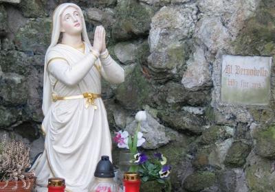 Reliquien der hl. Bernadette auf Maria Rosenberg